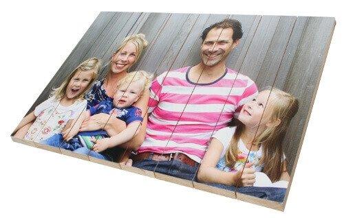 Familienfoto auf Holz gedruckt
